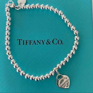 Tiffany bead bracelet with pink enamel heart